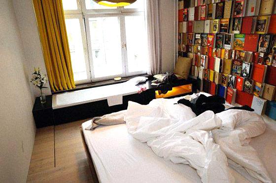 michelberger hotel arty hotel berlin hotels. Black Bedroom Furniture Sets. Home Design Ideas