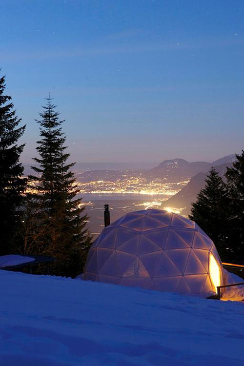 Whitepod village d 39 igloos eco luxe dans le valais for Hotels insolites