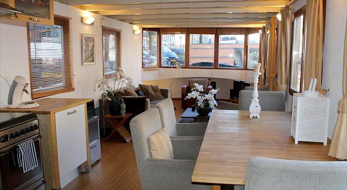 houseboat prince william p niche amsterdam hotels. Black Bedroom Furniture Sets. Home Design Ideas