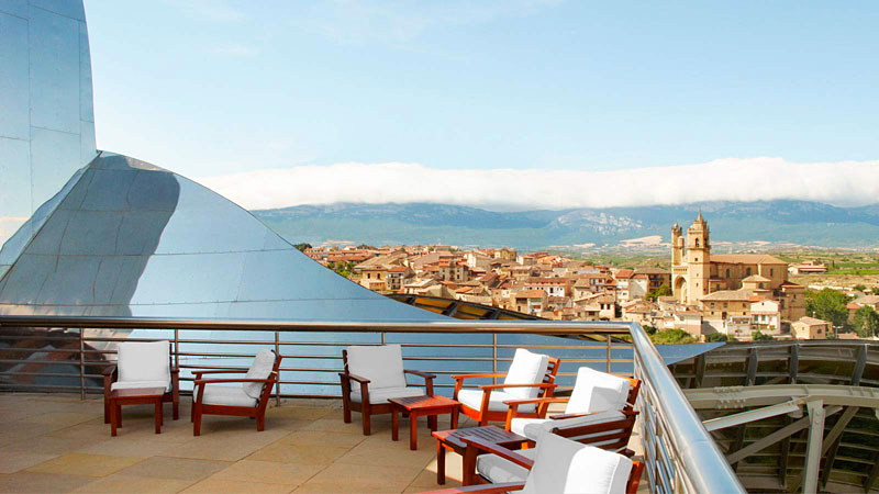 Marques de riscal hotel insolite en espagne hotels for Hotel insolite