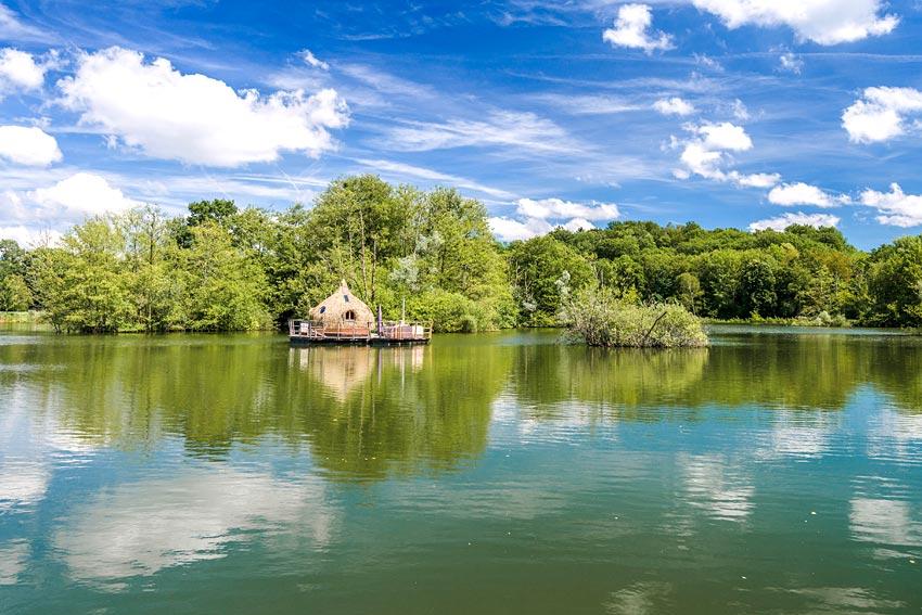 coucoo grands lacs nuit insolite dans une cabane sur l 39 eau. Black Bedroom Furniture Sets. Home Design Ideas