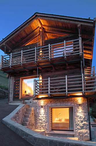 Montagne alternative commeire hameau insolite dans le for Hotel insolite