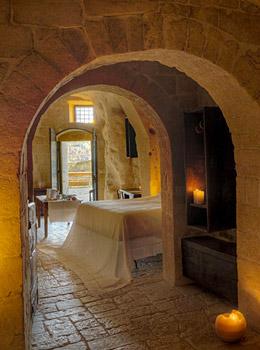 sextantio le grotte della civita pouilles italie dormir dans un lieu unique. Black Bedroom Furniture Sets. Home Design Ideas