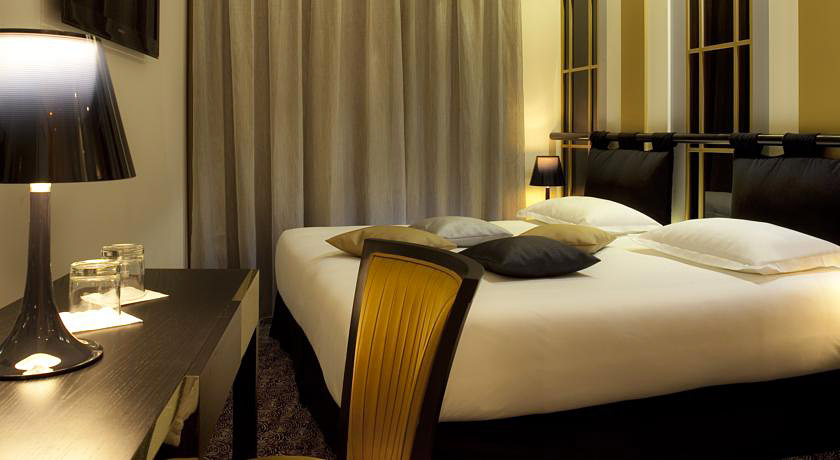 design secret de paris hotel insolite paris hotels. Black Bedroom Furniture Sets. Home Design Ideas