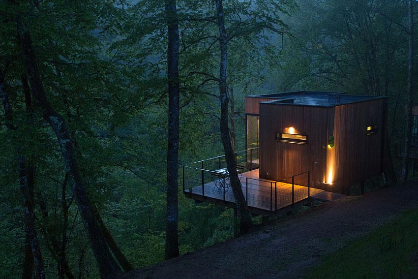 les cabanes de salagnac cabanes insolites en corr ze. Black Bedroom Furniture Sets. Home Design Ideas