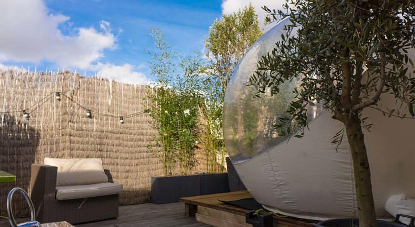 bubble suite paris chambre insolite dans une bulle. Black Bedroom Furniture Sets. Home Design Ideas