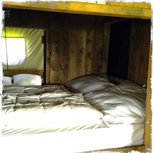 ferme de la folivraie un lit au pr glamping en normandie. Black Bedroom Furniture Sets. Home Design Ideas