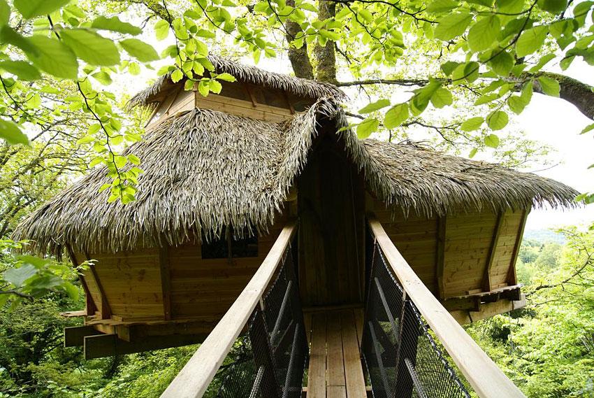 h bergements insolites de qu n can cabanes dans les arbres ou sur pilotis en bretagne hotels. Black Bedroom Furniture Sets. Home Design Ideas