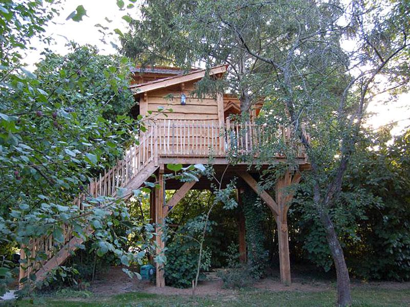 maison perch e de la vall e javot cabane dans les arbres. Black Bedroom Furniture Sets. Home Design Ideas