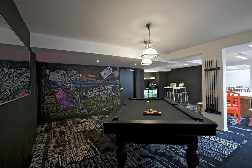 mama shelter paris hotel conceptuel et tendance paris hotels. Black Bedroom Furniture Sets. Home Design Ideas