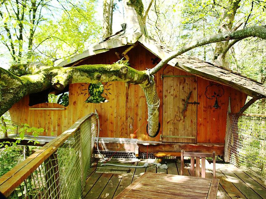 ch teau de kermenguy cabanes dans les arbres bulle et tentes lodge. Black Bedroom Furniture Sets. Home Design Ideas
