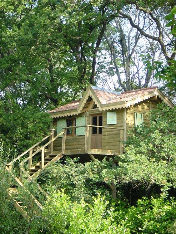 le pavillon vert cabane dans les arbres en provence hotels. Black Bedroom Furniture Sets. Home Design Ideas