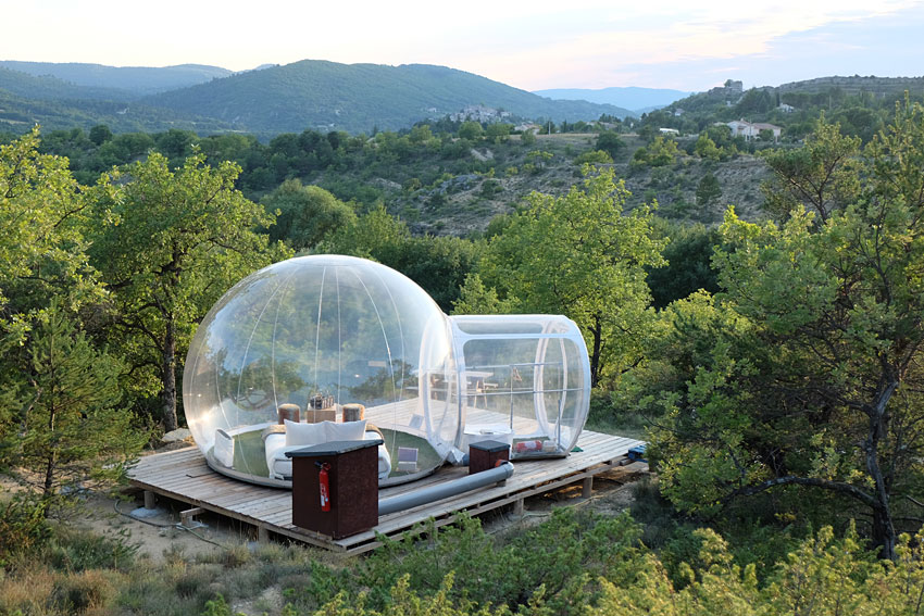 les bulles de forcalquier dormir dans une bulle entre luberon et provence. Black Bedroom Furniture Sets. Home Design Ideas