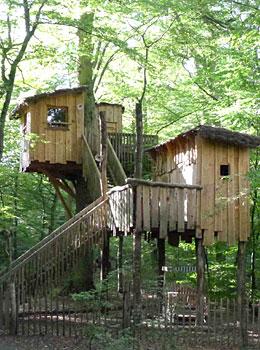 Cabanes Perch 233 Es H 233 Bergement Insolite Au Parc Animalier