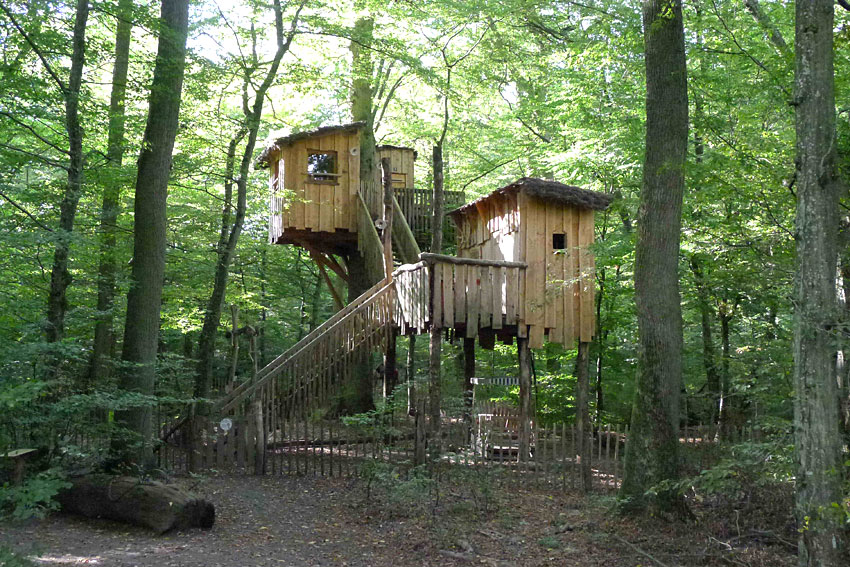 cabanes perchees hebergement insolite au parc animalier