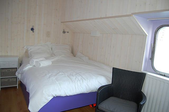 la valse lente h bergement insolite namur hotels. Black Bedroom Furniture Sets. Home Design Ideas