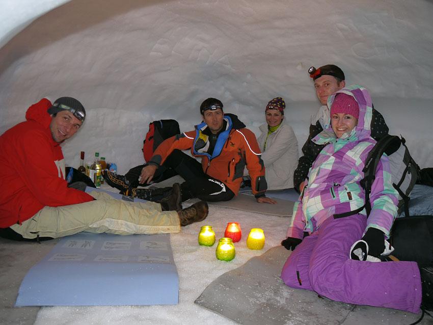Igloo r allon dormir dans un igloo dans les hautes alpes - Dans quelle direction dormir ...