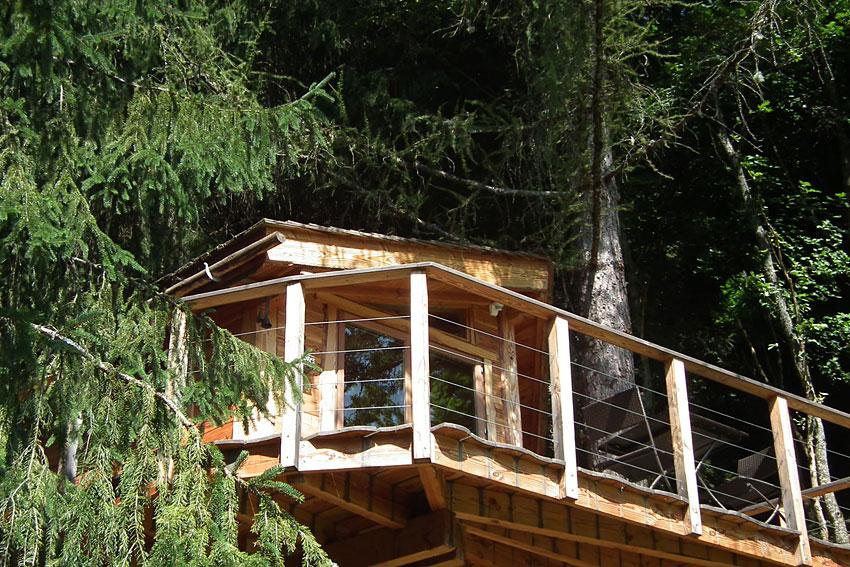 la cabane dans les arbres h bergement insolite dans la vall e d 39 aulps. Black Bedroom Furniture Sets. Home Design Ideas