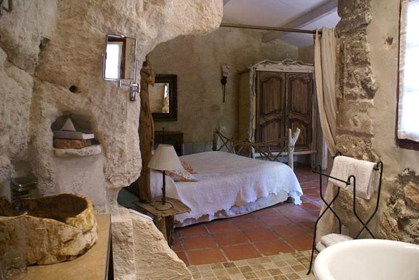 le mas d'aigret | hotel troglodyte aux baux de provence | hotels