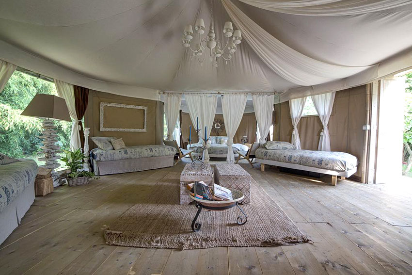 canonici di san marco glamping de luxe proche de venise. Black Bedroom Furniture Sets. Home Design Ideas