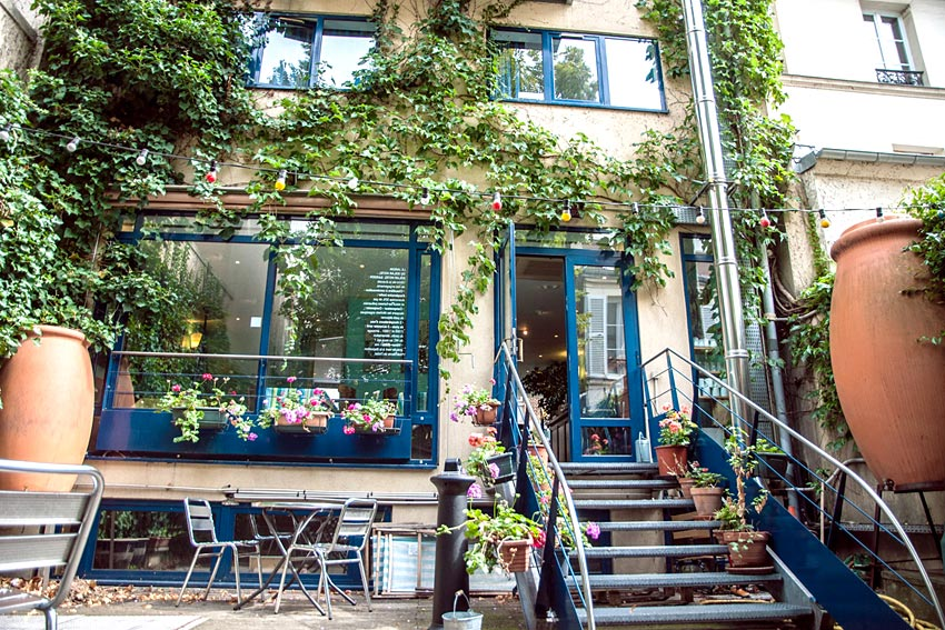 Solar hotel hotel solidaire paris hotels for Hotel insolite